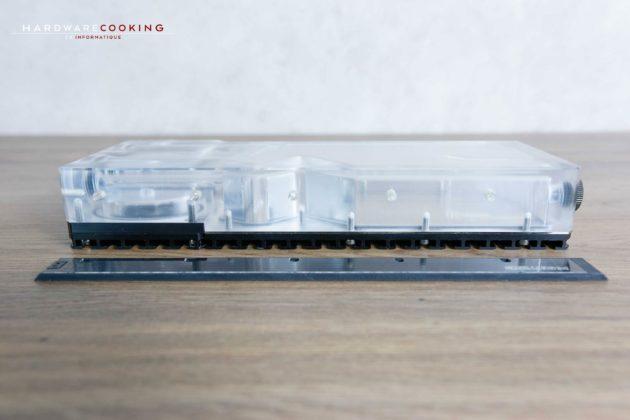 Réservoir Phanteks Glacier R220 Installation bande LED