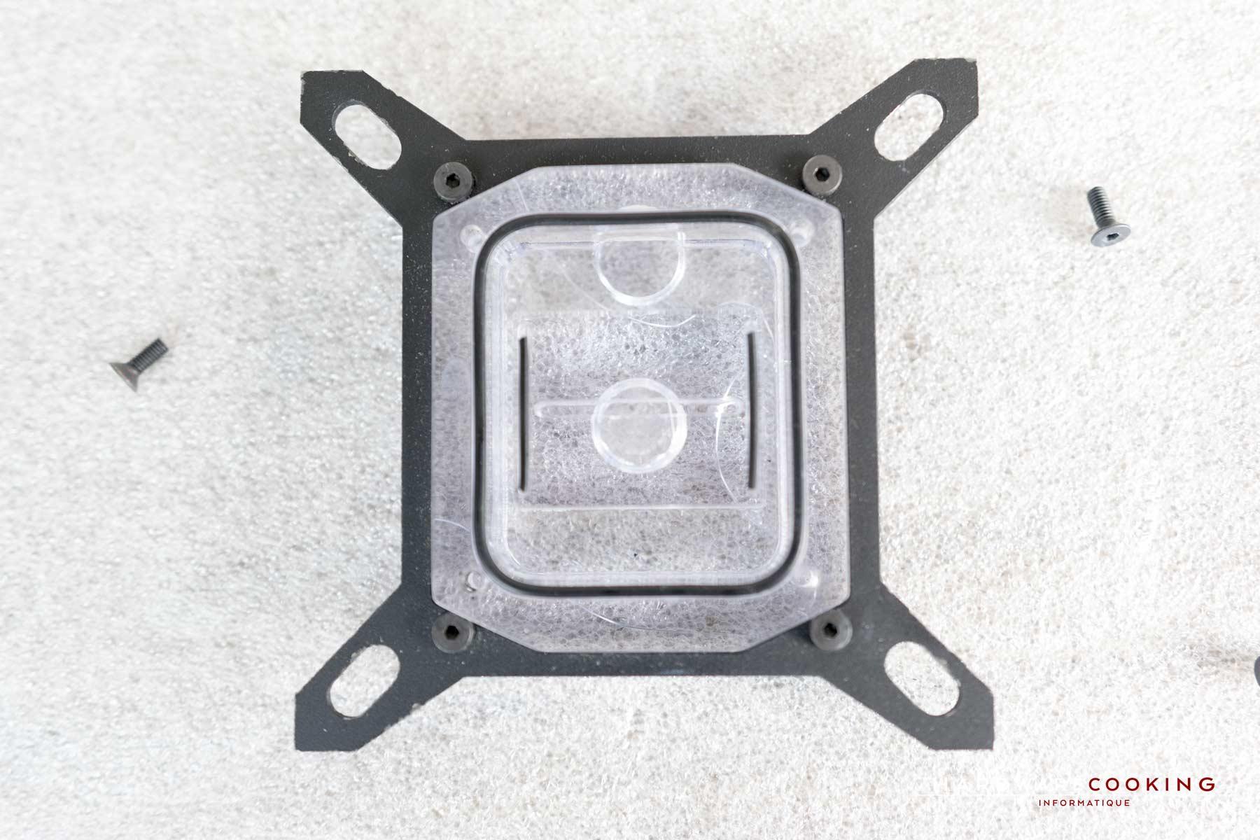 Test Waterblock Cpu Hcm Crystal Coldplate 78 Microcannaux