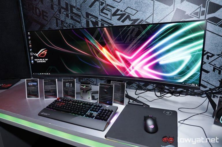 écran ASUS ROG Strix XG49VQ moniteur ultra wide sur un bureau