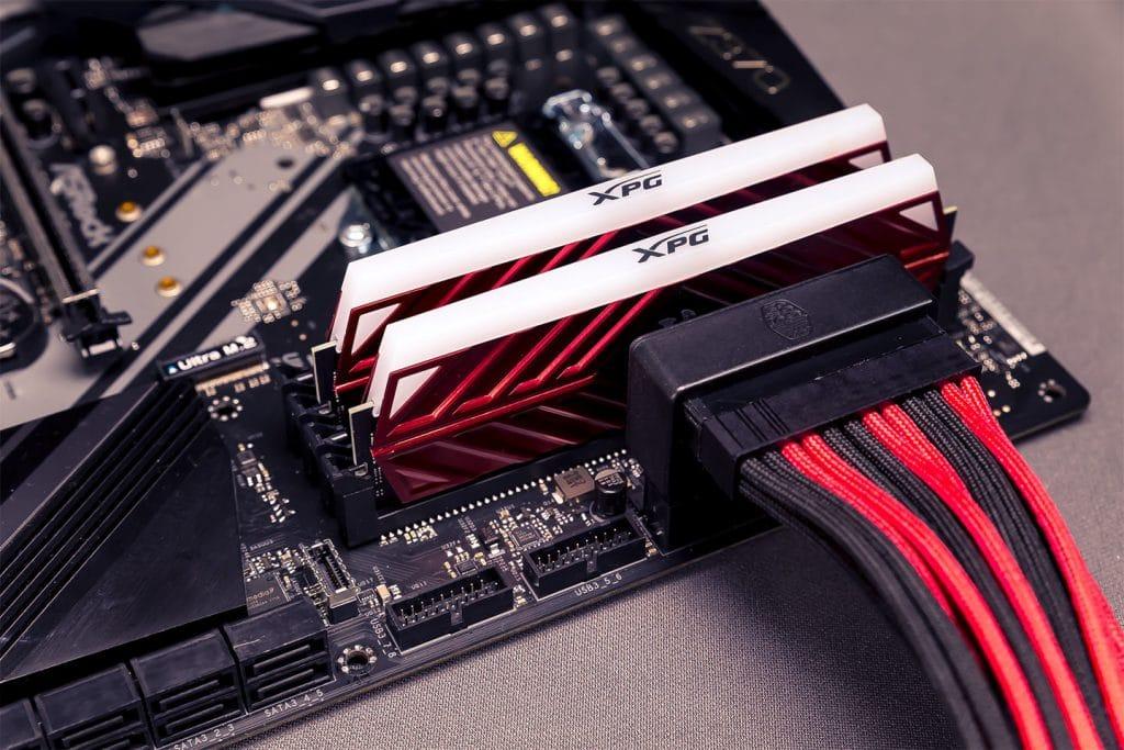 Cooler Master Adaptateur ATX 24 Pins monté sur carte mère