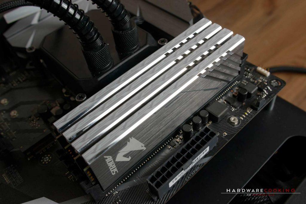 Test RAM DDR4 AORUS Mmemory RGB 2 x 8 Go 3200 MHz CAS16