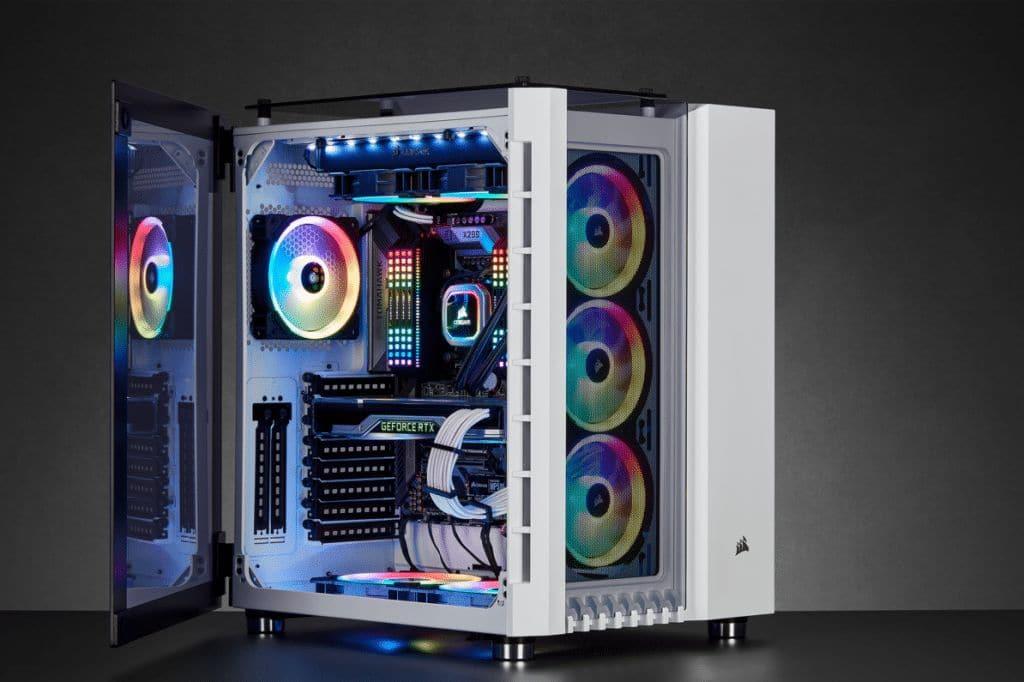 Boîtier Corsair Crystal 680X build