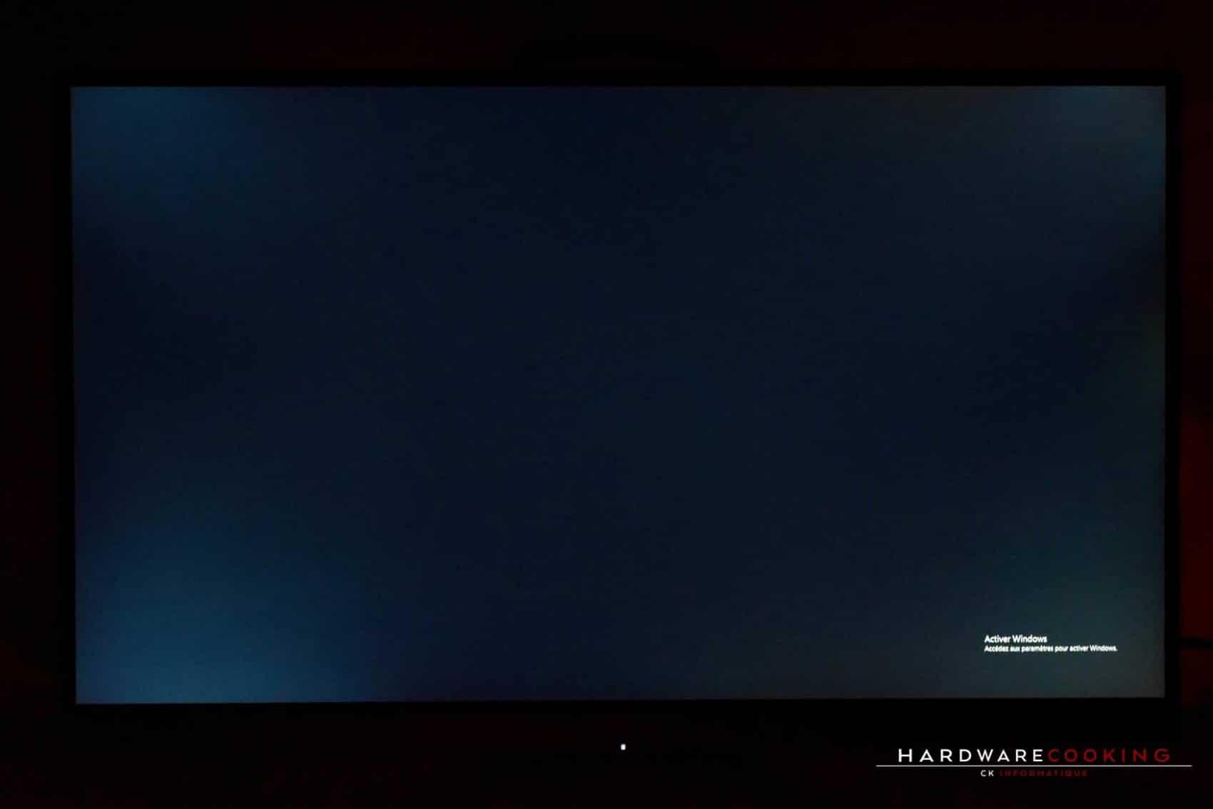Test écran gamer AORUS AD27QD fuite de lumière