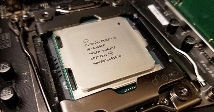 Processeur Intel Core i9-9990XE