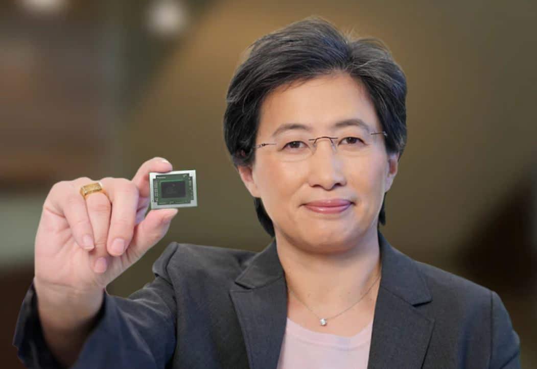 Mme. Lisa Su PDG d'AMD tenant un processeur AMD Ryzen 3000