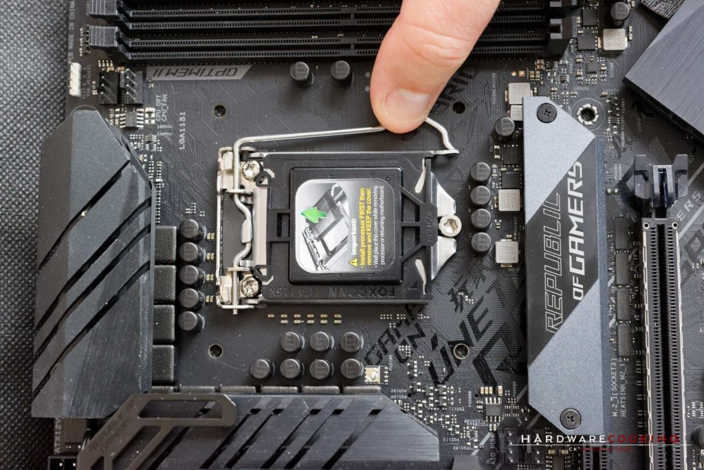 Tuto installation CPU Intel socket 115X