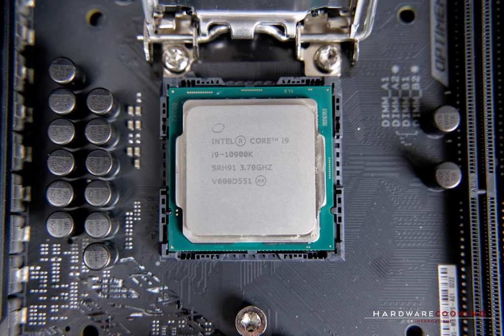 Installation CPU Intel dans le socket LGA 1200