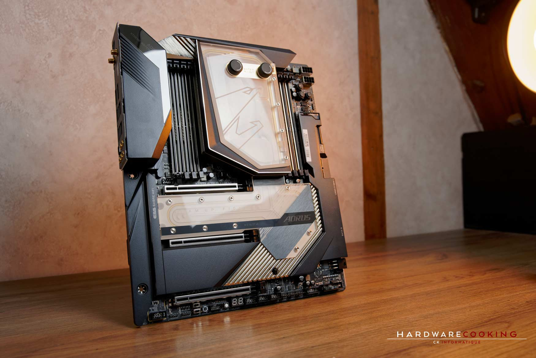 carte mère X299X AORUS XTREME WATERFORCE avec manoblock