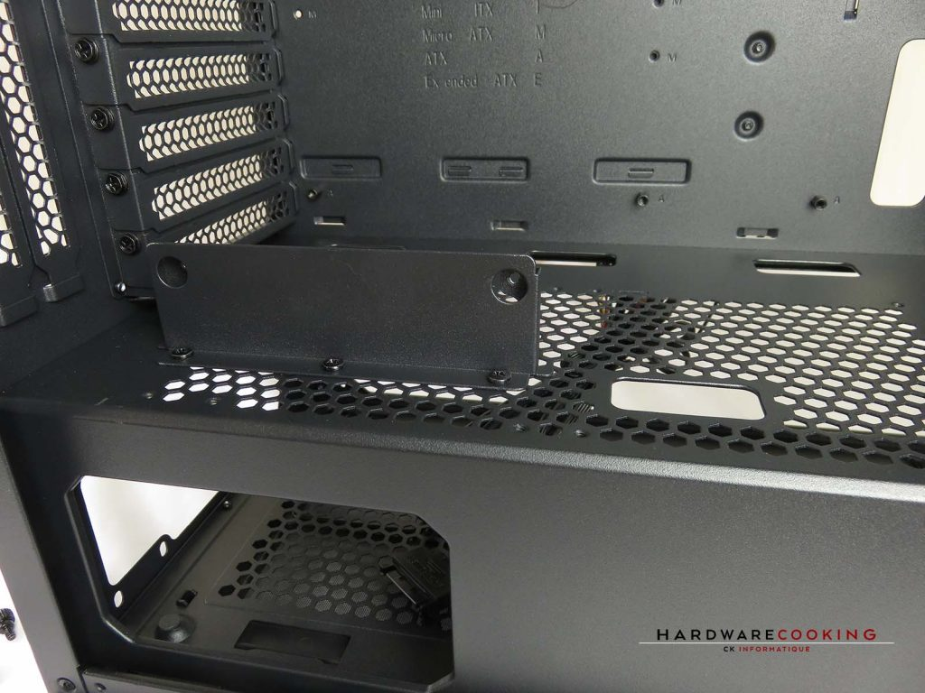 Thermaltake H550 TG ARGB cache alimentation