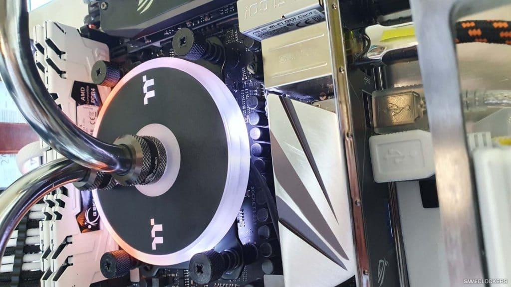 Custom-Loop-All-In-One-Gaming-PC