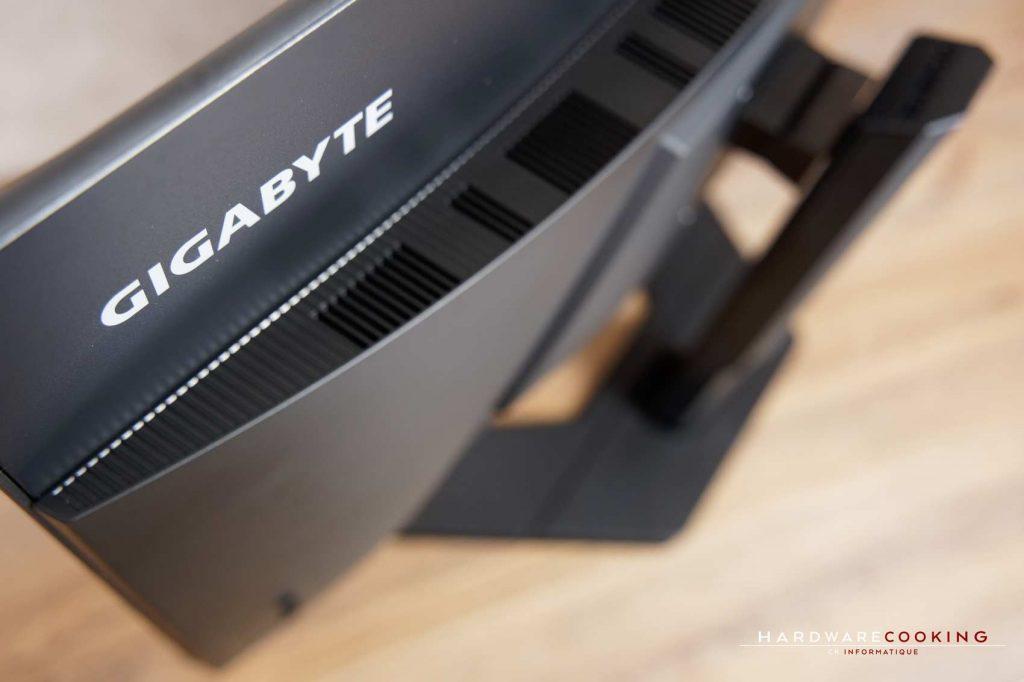 test GIGABYTE G32QC