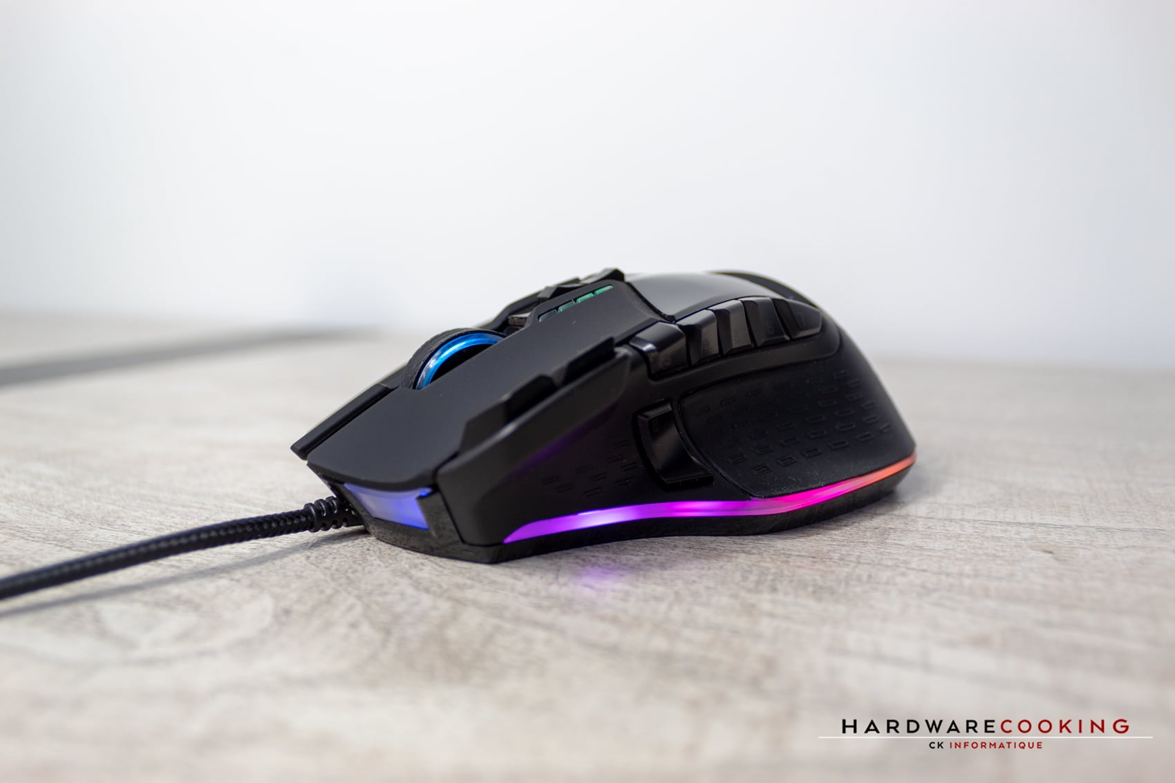 Test souris Patriot Viper V570 RGB Blackout Edition