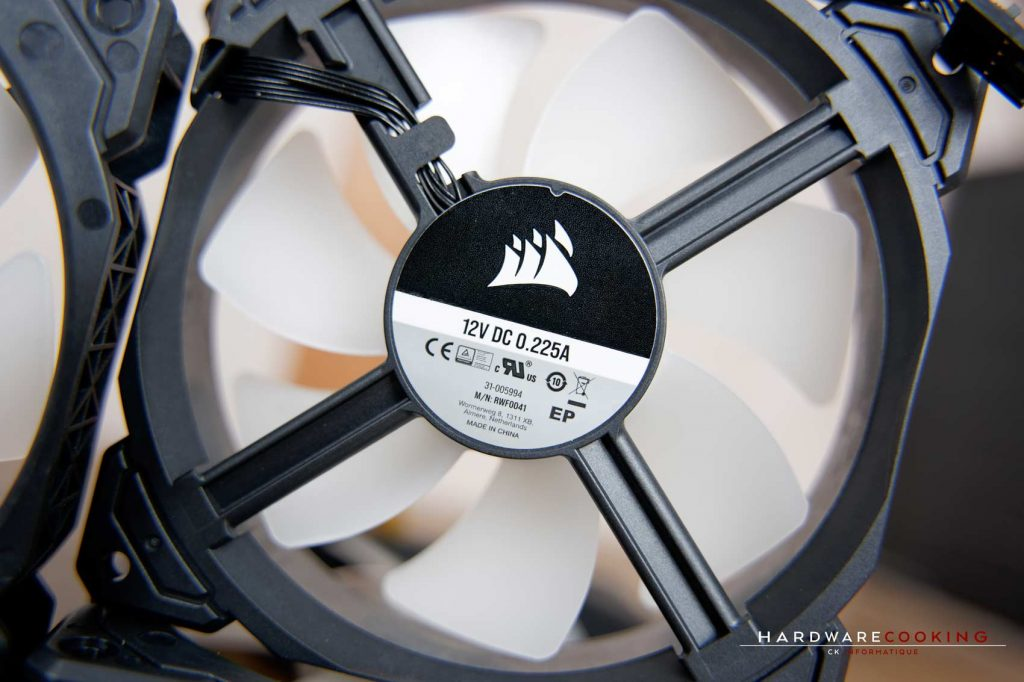 Ventilateurs CORSAIR ML120 RGB